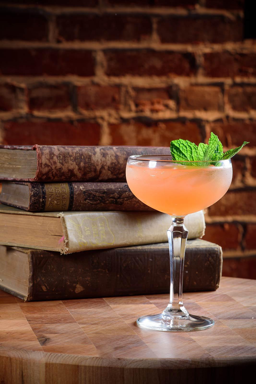 st-augustine-pub-english-pub-restaurant-chatsworth-craft-cocktails